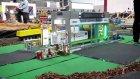 Bir diorama RC modeli kamyonları