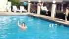 Şişman çocuk havuzu alabora etti!