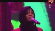 Rihanna Muhteşem Dans