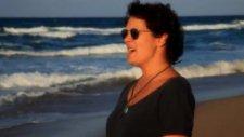 Julide - Gitme İsteği - Yeni Klip 2012