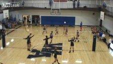 Voleybol Maçında Basket Atmak