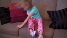 Küçük Kızın Sevinç Gözyaşları