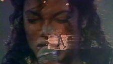 Michael Jackson - Human Nature (Live At Wembley)