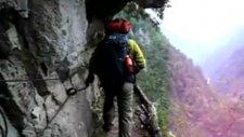 Japonyada Çok Tehlikeli Dağ Yolu
