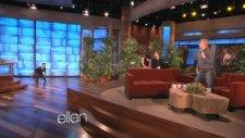 Taylor Lautner Üzümleri Havada Kapıyor!
