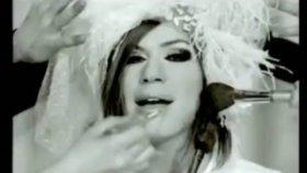 Emel Müftüoğlu - Evlenilecek Kızlar Eğlenilecek Kızlar