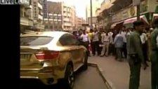 Bu araba altın kaplama!