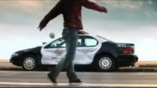 David Villa Polis Arabası Parçaladı.