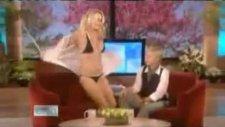 Pamela Anderson Şeritler Ellen DeGeneres Show Tease