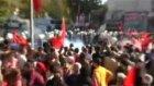 Türk bayrağı Açan Kişiye Tekme