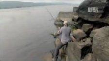Amazonlar ve Dev Piranha Belgeseli belgesel izle