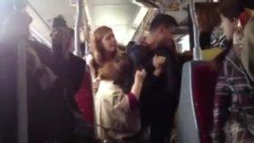 İstanbul'da Metrobüste Kadın Kavgası