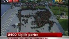 2400 kişilik Dev Atatürk Portresi