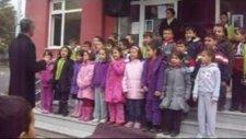 'izmir Marşı' 1-B Sınıfı