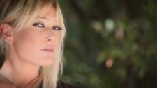 Zeynep - Aşkım Kapında (Yeni Klip 2012)