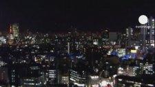 Japonya 7.3'lük Depremle Sallandı