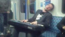 Metroda Org'la Müzik Şhow