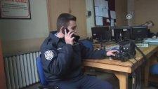 Polis Telsizi Anonsuyla Evlilik Teklifi