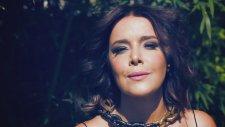 Sibel Bilgiç - Giden Gider (Yeni Klip 2012)
