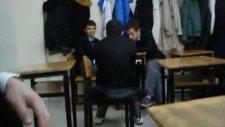 Sınıfta Sulu Şaka!