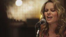 Bridgit Mendler - Love Will Tell Us Where To Go (Akustik)