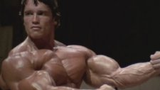 Arnold Schwarzenegger Süper Antrenman!