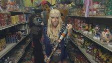 Kesha - Cmon