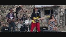 Deyiş Devran - Elimde Gitarım