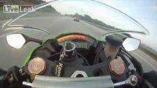 Audi RS6 Kawasaki'ye karşı!