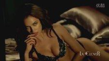 Irina Shayk La Clover Dergisine Seksi Pozlar Verdi