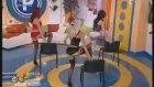 Romanya'da Sabah Programı Olmak 3'lü Striptiz Şov