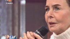 Fatma Girik Canlı Yayında Şarkı Söyledi!
