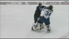 Buz Hokeyi Maçında Yumruklar Konuştu!