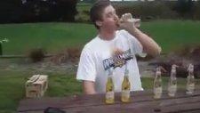 6 birayı tek dikişte içiyor ve beklenen sonuç geliyor
