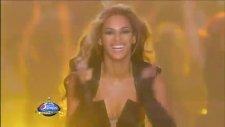 Beyonce Deri Elbisesiyle Super Bowl'u Fethetti!