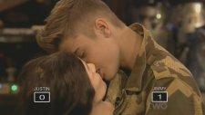 Justin Bieber Cansız Mankeni Öyle Bir Öptü Ki..