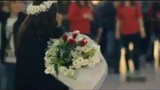 AVM'de Evlilik Teklifi Görüntüleri Böyle Evlilik Teklifi Görülmedi
