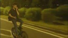 Geri Geri Bisiklet Kullanırken Taklaya Gelmek