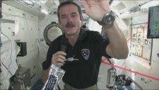 Uzayda el yıkamak nasıl olur?