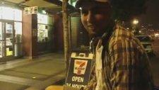 Amerika Sokaklarında Ayağında Kundura'yı Çığırmak