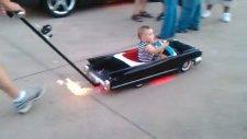 Ateş Çıkartan Bebek Arabası!