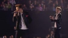 One Direction - One Way Or Another (Brit Awards 2013)