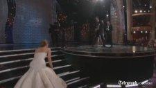 Jennifer Lawrence Törende Düştü