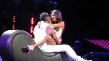 Usher Konserde Hayranının Heyecanını Yükseltti