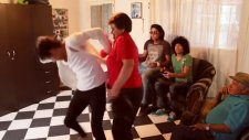 Harlem Shake'e anne baskını!