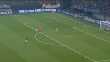 Schalke 04 1-2 Galatasaray (Gol Dk.42 Burak) İlk Yarı Bitti