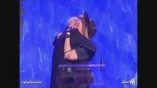 Madonna'dan Ateşli Öpücük!