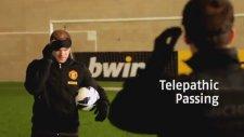 Wayne Rooney gözleri bağlı vole golü attı!