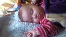 Küçük Kızım Rüya Görüyor