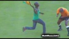 Vuvuzela İle Hakem Dövmek...